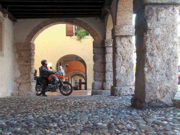 In San Daniele, Stadt des Prosciutto.